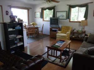 Large cabin (upstairs)